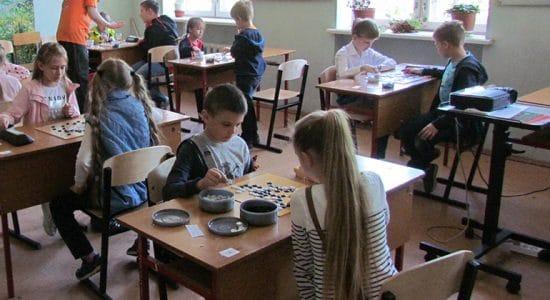 Федерация Го провела турнир для начинающих в жуковской школе № 4