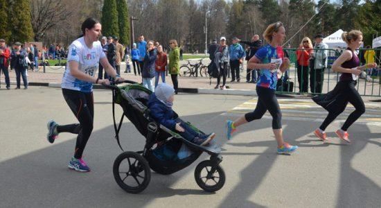 Стали известны победители мини-марафона ASICS в Жуковском