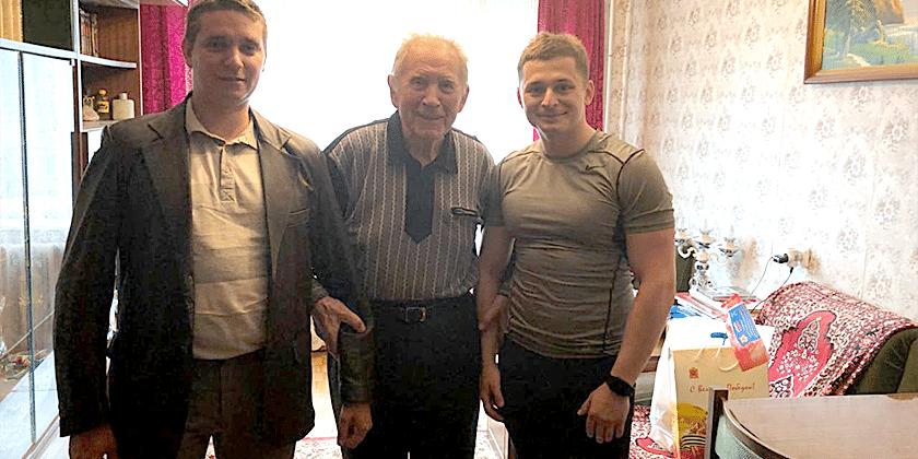 Сторонники «Единой России» навестили ветеранов