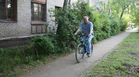 Глава Жуковского пересел на велосипед