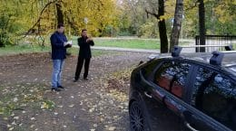 В Жуковском выявили припаркованные на газонах автомобили