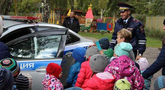 Госавтоинспекторы в Жуковском провели тематическое мероприятие с дошкольниками