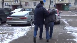 Полмиллиона рублей и мобильник украл у жуковчанки ее собутыльник