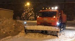 В Жуковском не торопятся убирать снег с дорог и тротуаров по жалобам граждан