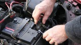 В Жуковском москвичи воруют аккумуляторы из отечественных автомобилей