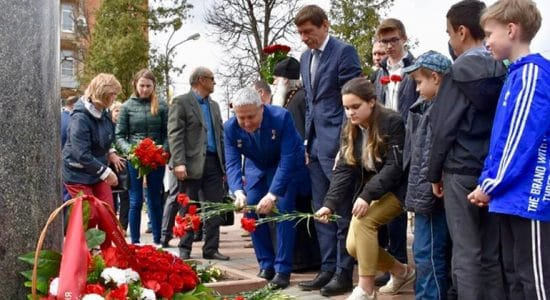 В Жуковском возложили цветы к памятнику Николая Жуковского