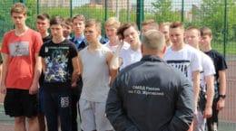 В Жуковском сотрудники полиции присоединились к акции «Зарядка со стражем порядка»