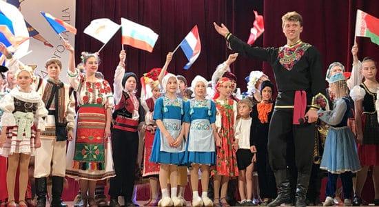 """Жуковский ансамбль """"Юность"""" завершил сезон большим отчетным концертом"""