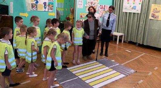 В Жуковском госавтоинспекторы провели открытое занятие в детском саду