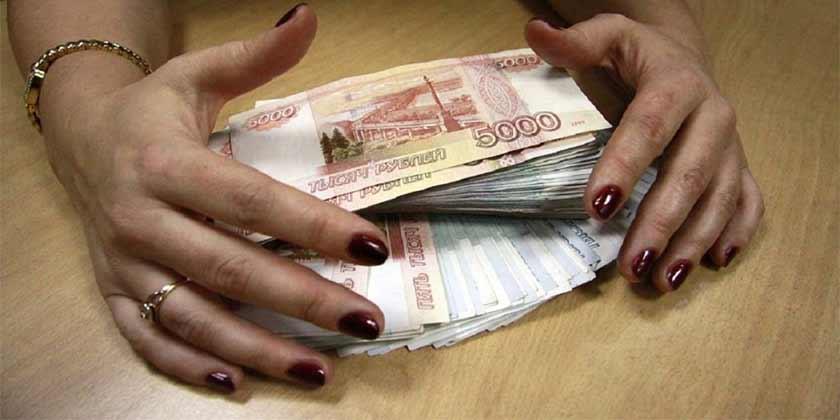 В Жуковском директор магазина, используя свое служебное положение, присвоила 129 тысяч рублей