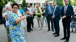 Замглавы администрации Эдуард Сигалов вышел во дворы города