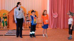 В Жуковском автоинспекторы помогли дошкольникам освоить азбуку дорожной безопасности