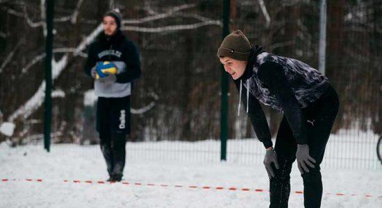 В Жуковском состоялся чемпионат города по волейболу на снегу «Снежка»
