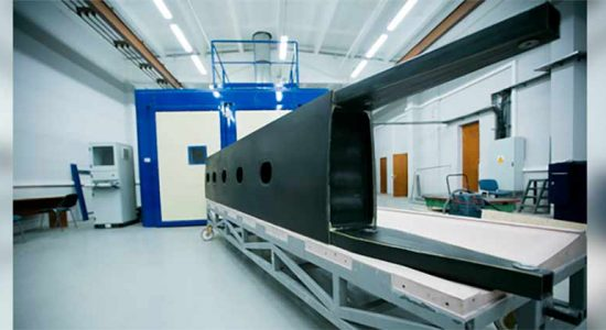 В Жуковском изготовлен кессон крыла перспективного легкого самолета из отечественных материалов