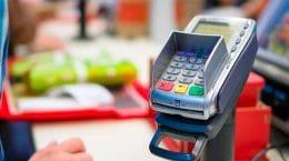 Жуковчанин украл банковскую карту и купил товаров на более чем 7 тысяч рублей