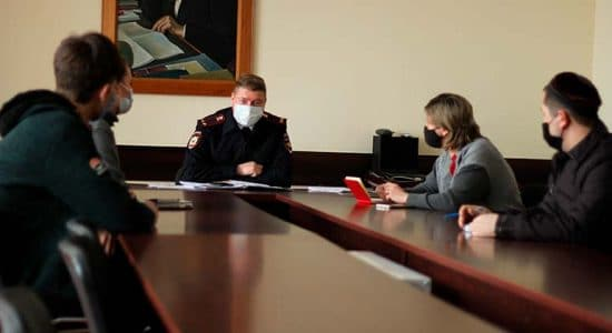 Начальник отдела по вопросам миграции Максим Мысякин провел совещание с предпринимателями