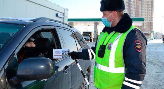 Сотрудники Госавтоинспекции провели разъяснительные беседы на автозаправочных станциях