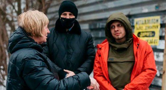 В Жуковском подсчитали идущих по народной тропе в районе пересечения улиц Праволинейная и Мичурина